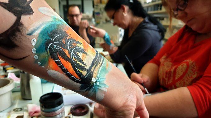 Palmenpainting auf dem Arm